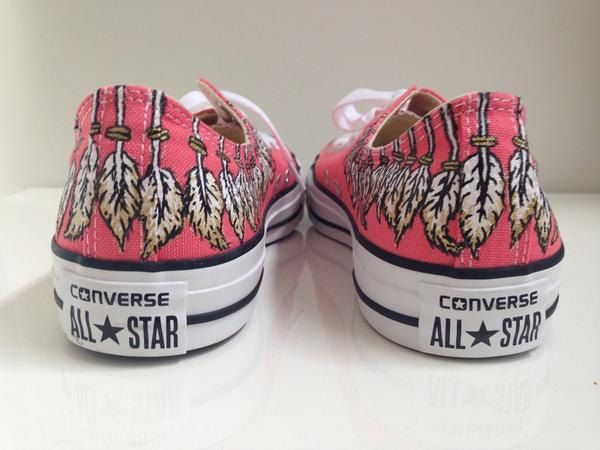 Customized Converse sneakers feather design (99.95 EUR) by amberscustoms