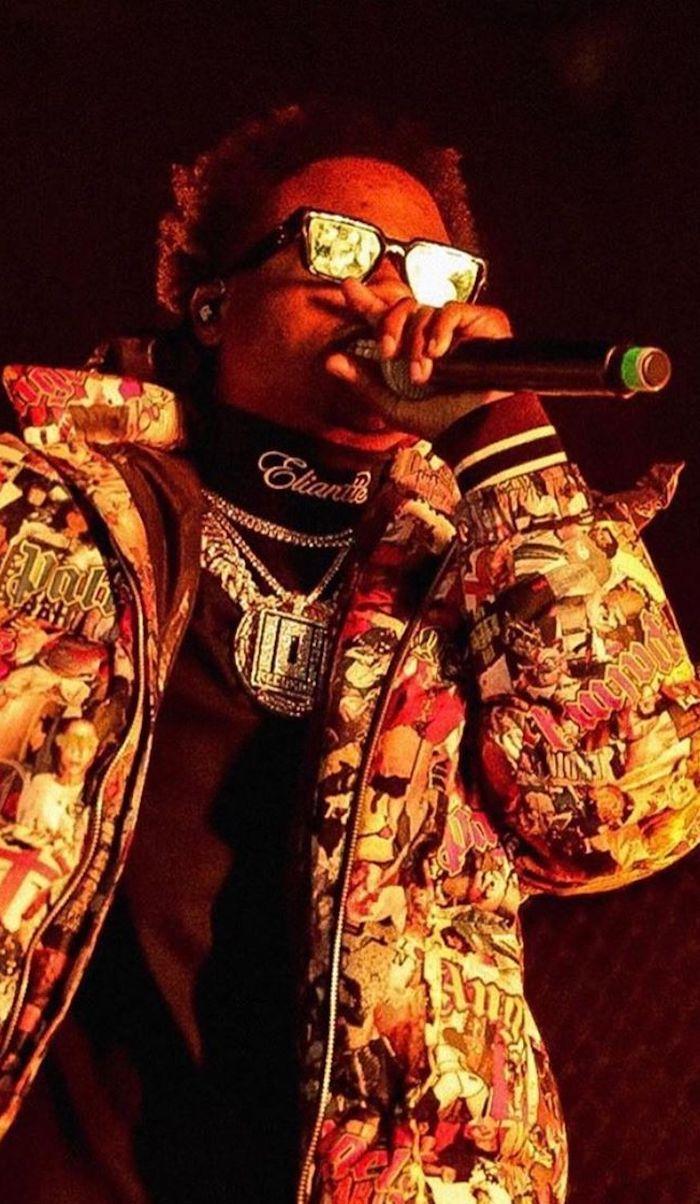 Roddy Ricch On Stage In Palm Angels Roddyricch Music Wallpaper