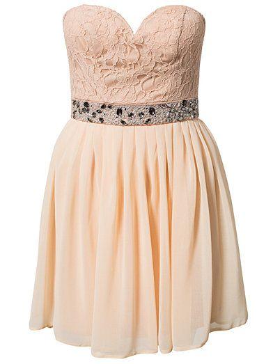 Elise Ryan Embellished Waist Dress