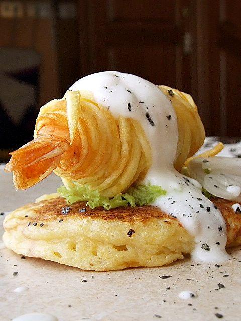 Shrimp fried coated #noodles, yogurt sauce, served on a potato #blinis