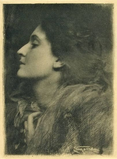 Maud by Julia Margaret Cameron, 1875 From the exhibition 'A Ballad of Love and Soyouthinkyoucansee on tumblr Death: Pre-Raphaelite Photography in Great Britain, 1848-1875' at the Musée d'Orsay, Paris (via Art Blart) Steichen & Frank Eugene ~Lady of Charlotte,1909
