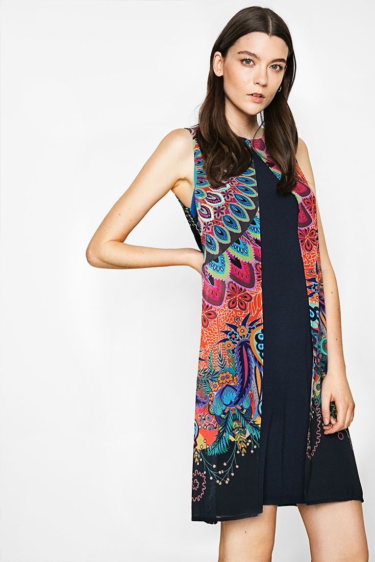 Show your Desigual style with this sleeveless dress with an original and sophisticated design.