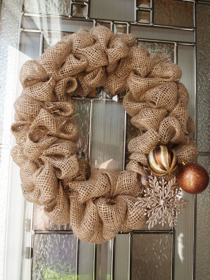 192 best rustic western wreaths burlap decor images on for Burlap christmas curtains