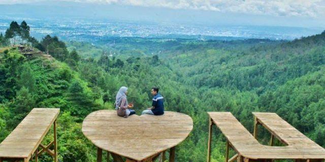 Menakjubkan 30 Foto Pemandangan Alam Yang Romantis Lihat 11 Gambar Pemandangan Alam Di Indonesia Yang Spektakuler Ini La Di 2020 Pemandangan Tempat Liburan Romantis