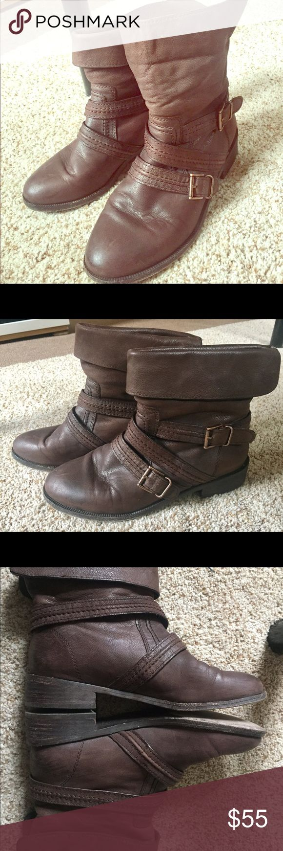 Joie ankle boots Brown ankle boots super confortable. It's a bit worn but still in great shape. Joie's designs are constantly inspired by the Southern California lifestyle and its casual, yet sophisticated way of life. joie Shoes Ankle Boots & Booties