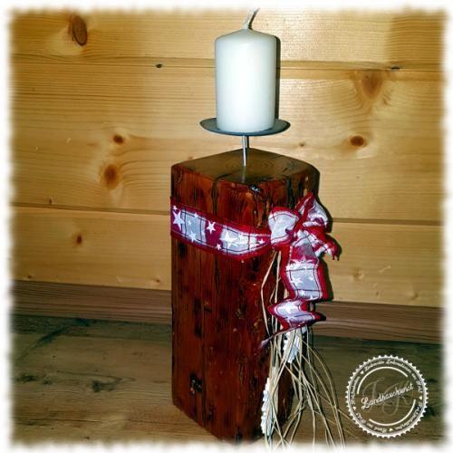 Kerzenhalter Altholz, weihnachtlich dekoriert Kerzenhalter, Altholzbalken, Kerzenständer Balken, Balkenkerze, Unikat, Geschenkidee, Landhauskunst, Kerzenständer rustikal