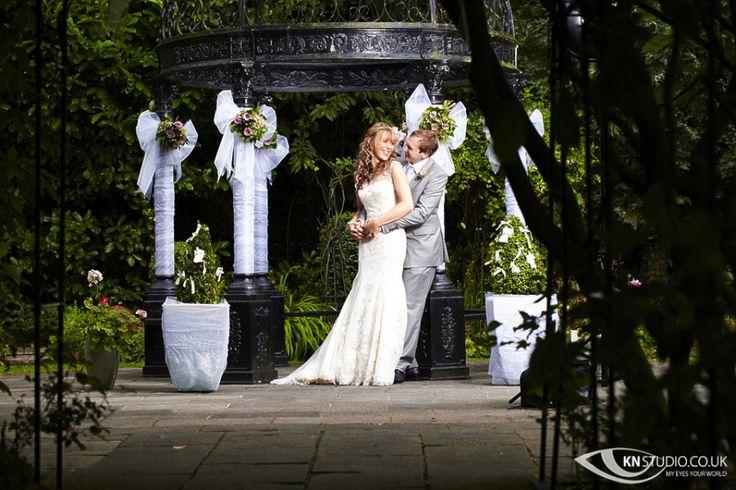 Carolyn & Pauls Wedding at Statham Lodge Hotel, Lymm photography, photo by http://www.knstudio.co.uk