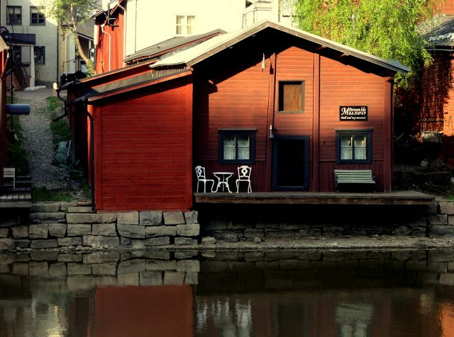 Travel and Lifestyle Diaries Blog: Picturesque Red Shore Wooden Houses in Porvoo, Finland
