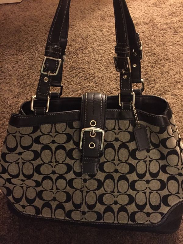 a295857ad5cd Used (normal wear) - Large Coach purse in great condition.