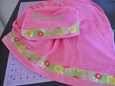 A Girl In Paradise: Hooded Toddler Towel - A Tutorial