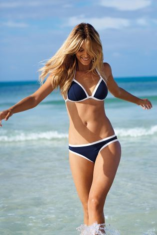 If a premium vibe is what you're after in your swimwear, nautical hints in navy are your friend!