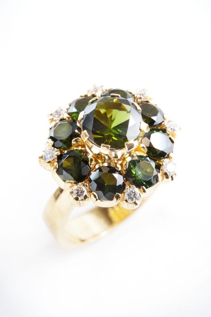 Kohde 1000 Helanderin Toukokuun huutokauppa: Katariina suuren sormus, kultaseppä Kari Heinonen, Ofelia Jewelry.