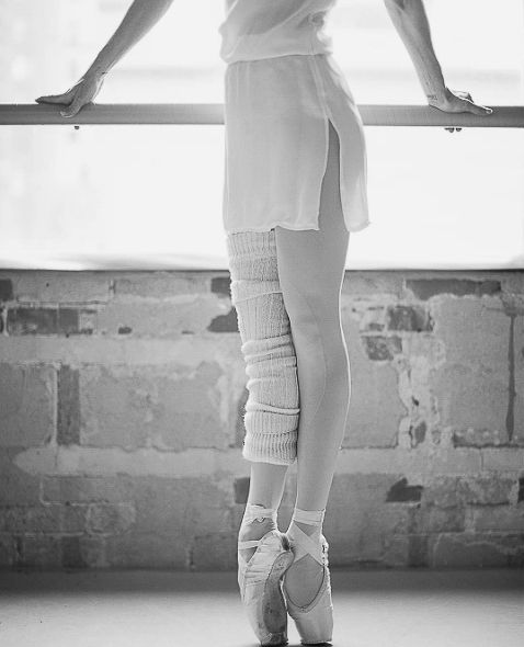 Sonia Rodriguez, Principal dancer with The National Ballet of Canada, is working at the barre in her studio. This beautiful scene is captured by Karolina Kuras - one of the world's best ballet photographers. Sonia has always been huge inspiration for Team Zarely. And it is hard to overstate the value of her feedback as we were engeneering the ballet tights she is now wearing.