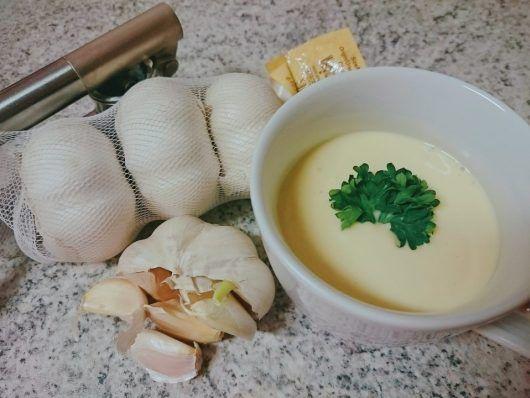 Honig Aioli - Perfekt für alle Gelegenheiten - besonders als leckeren Dip zum Grillen oder zum kurzgebratenen! Einfach lecker!