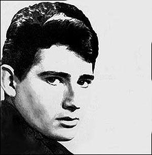 Miguel Ríos (joven) cantante español n.en Granada en 1944