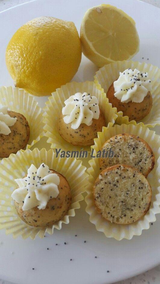 Lemon poppy seed pops