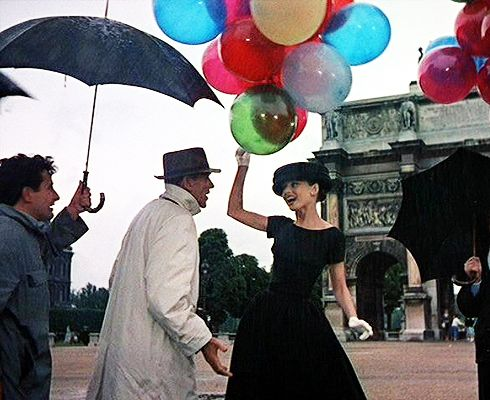 Travel Bucket List: Next time in Paris, take a pic with colorful ballons under the Arc de Triunph like Audrey Hepburn.