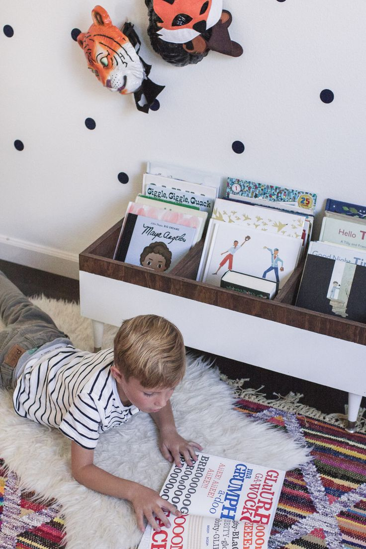 CURRENT FAVORITE KID BOOKS + DIY BOOK BIN