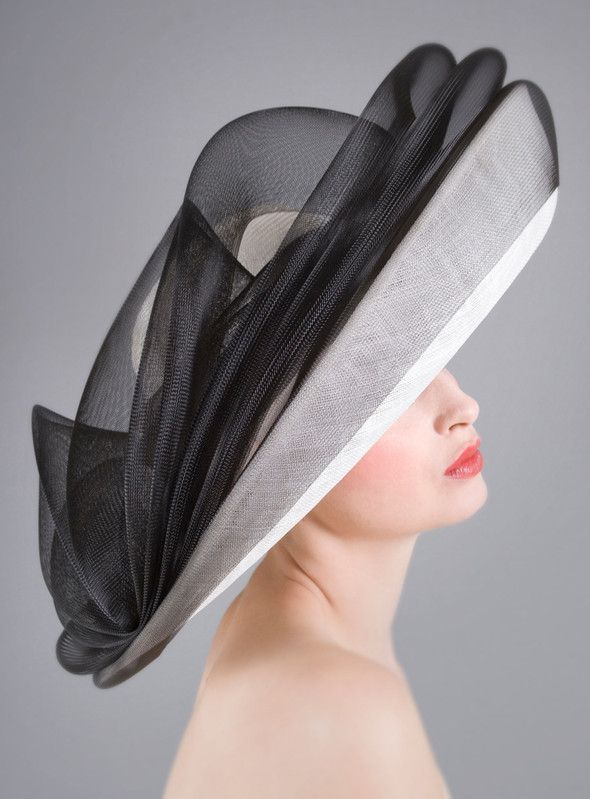 William Chambers Millinery | Black Crin Super Upsweep | Noir et Bord Large | LOVEHATS.COM