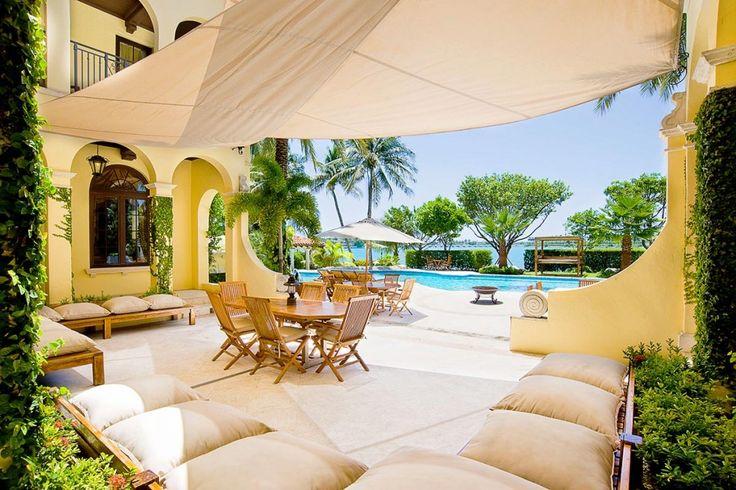 Villa Contenta is een prachtig luxe Spaanse koloniale stijl villa op Palm Island, Miami, die accommodatie biedt voor 13 mensen Biscayne Bay Miami.