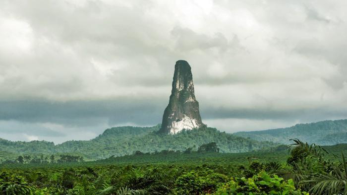 Pico Cao Grande - Unik! Diklaim Jadi Gunung Paling Langsing Seperti Menara…