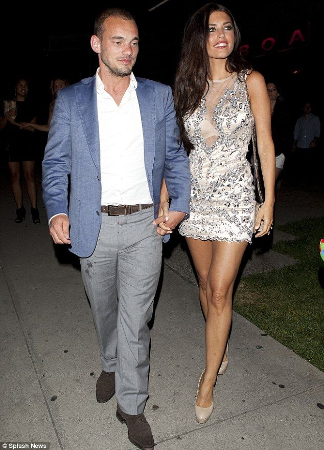 Top 10 Extremely Well-Dressed Footballer Wags - Yolanthe Sneijder-Cabau