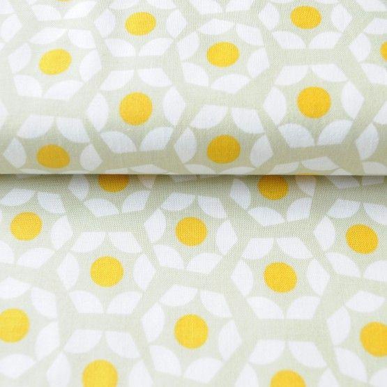 StofSunny DayUit de serie Moonlitvan Cotton and Steelselecteerden we de stofSunny Day100% katoenstofbreedte: 110 cmPrijzen zijn per 25 cm. Selecteer hieronder de lengte en de hoeveelheden. De stof wordt uit 1 stuk geknipt.