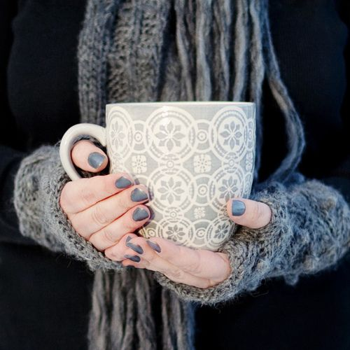 snowflake pattern on the mug. fun arm warmers. comfy pic.: Memorial Cups, Winter, Cups Of Memorial, Teas, Gloves, Grey, Nails, Hot Chocolates, Drinks