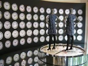 Sourcing pendules pour vitrine Hugo Boss - Olinda