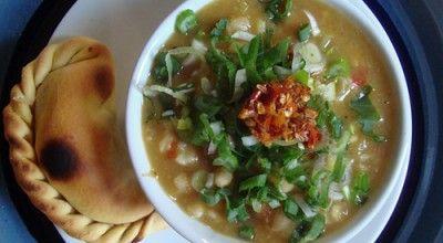 locro-argentino-vegetariano Guisado, Guacamole, Tacos, Natural, Mexican, Ethnic Recipes, Food, Kale Stir Fry, Cabbage