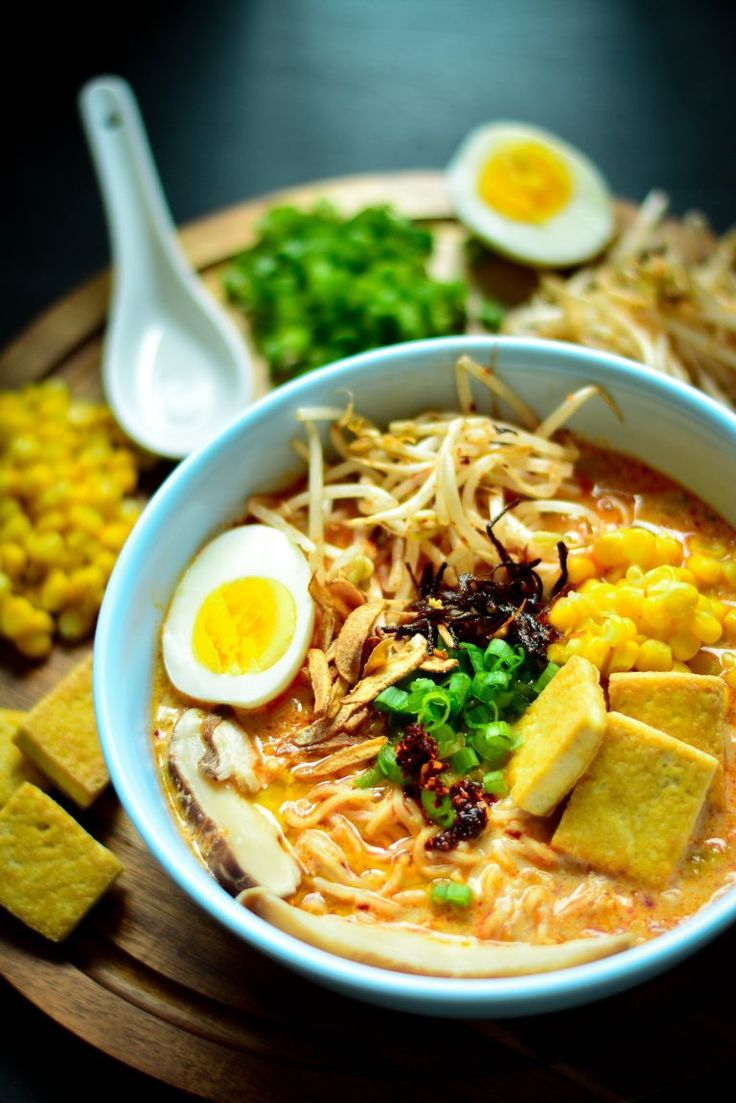 Vegan Spicy Ramen Noodles - the ultimate comfort food to enjoy this winter! Nothing but healthy deliciousness in there!