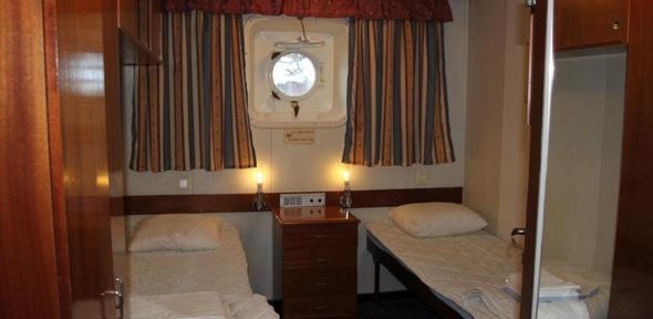 Twin cabin in the hostel