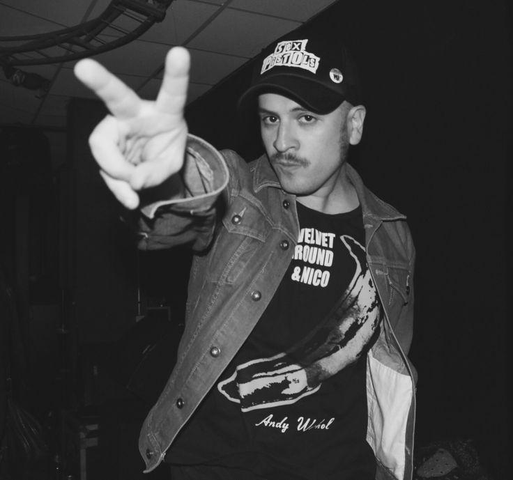 Dj Krampack creador del Fanzine Planeta Z, es uno de los más reconocidos exponentes de las perillas penquista, ahora radicado en Santiago, sigue deleitándonos con sus discos en casa de salud