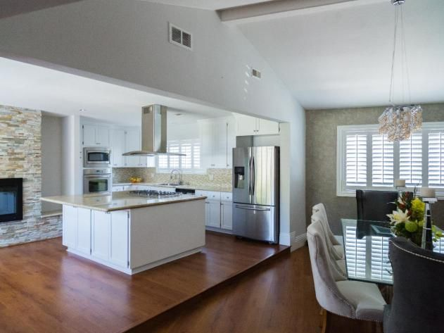 Latin Music Star #LarryHernandez's California Home: Kitchen and Dining Room http://www.frontdoor.com/photos/tour-larry-hernandezs-california-home?soc=pinterest