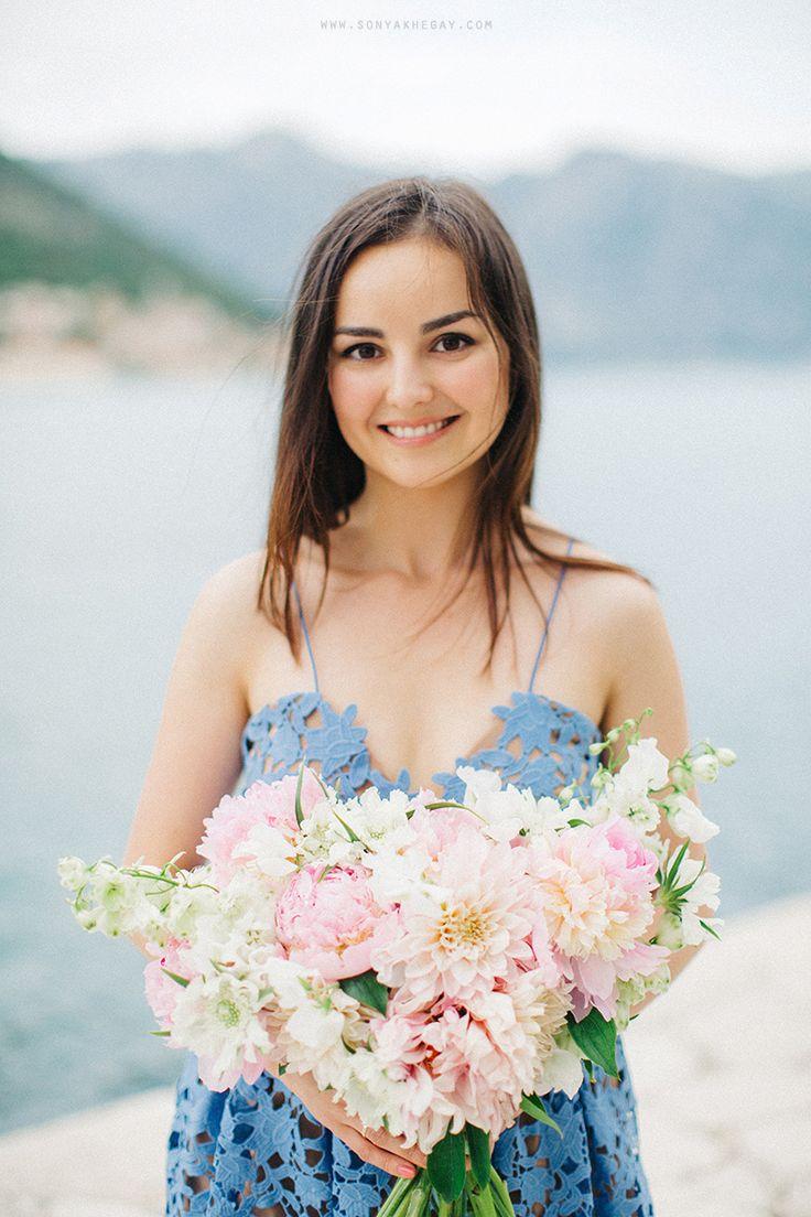 http://sonyakhegay.com/romantic-clouds/ #anniversary #bouquet #selfportrait #lace #dress