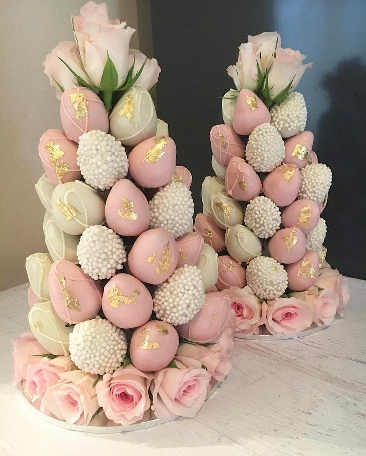 """2,468 Likes, 22 Comments - The Brides Style (@brides_style) on Instagram: """"Beautiful Strawberry Towers by @macaron_delights  