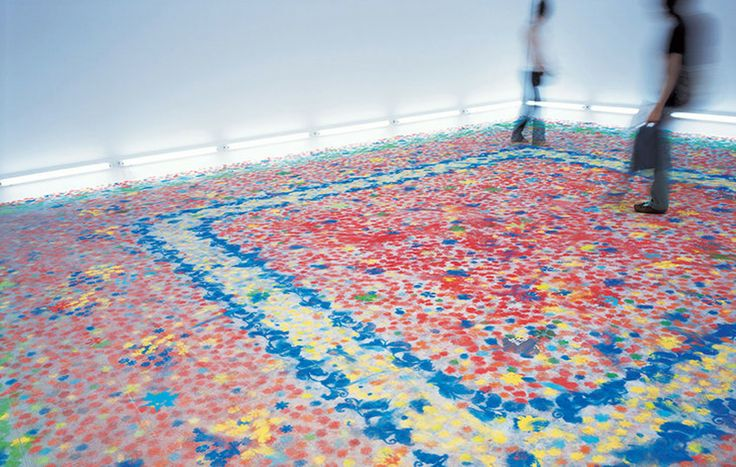 Las instalaciones distorsionables de Shinji Omhaki: Moment-Eternity /