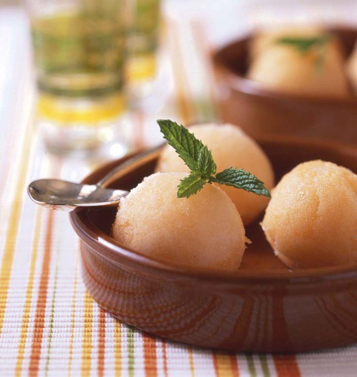 Sorbet au melon, la recette d'Ôdélices : retrouvez les ingrédients, la préparation, des recettes similaires et des photos qui donnent envie !