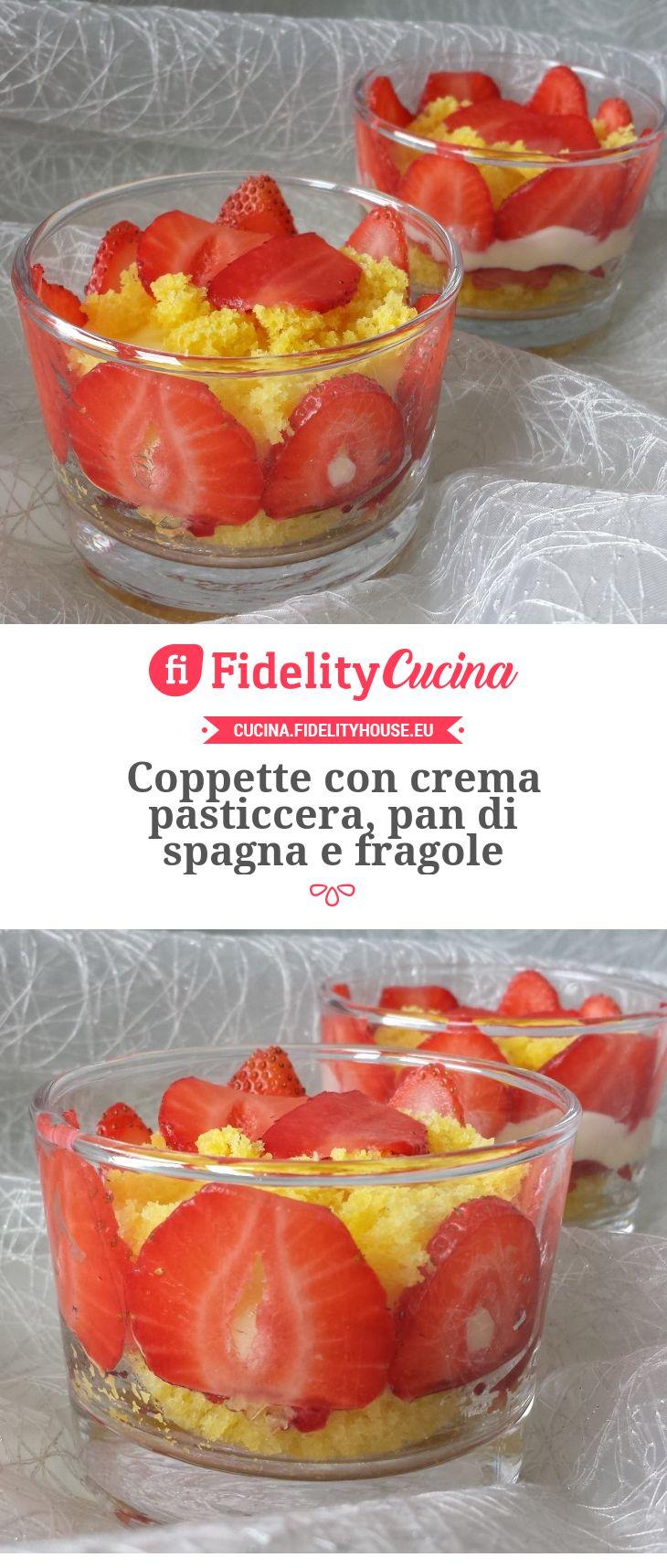 Coppette con crema pasticcera, pan di spagna e fragole
