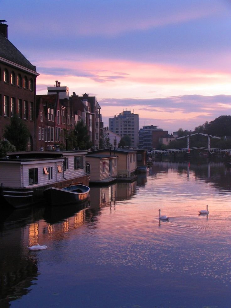 Soon. Leiden. Netherlands. Sunset.