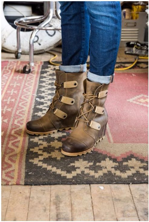 Sorel Joan of Arctic -- love these boots!
