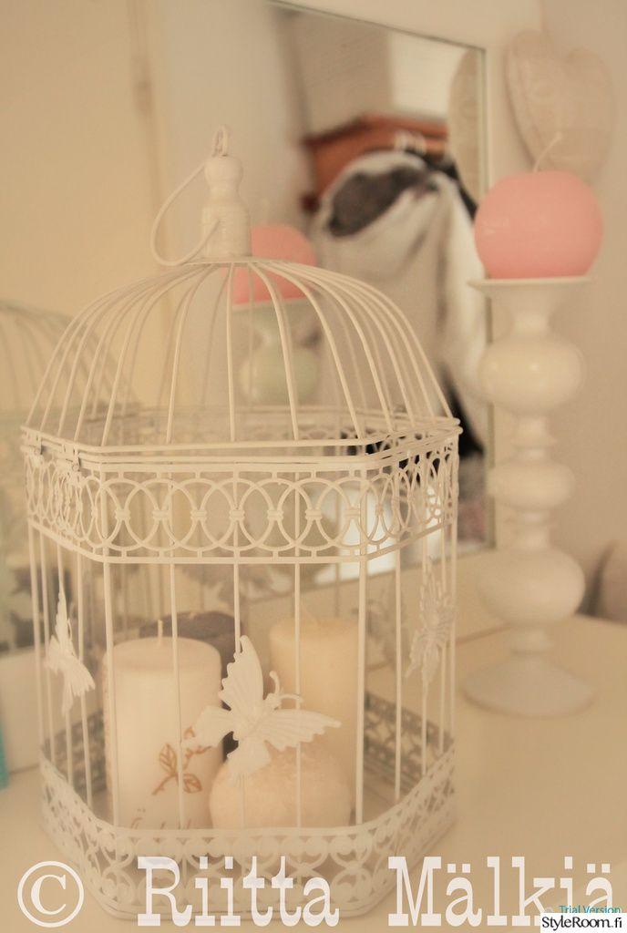 """Käyttäjän """"RiittaM"""" eteinen virittää heti kodin tunnelmaan. #styleroom #inspiroivakoti #maalaisromanttinen #yksityiskohdat"""