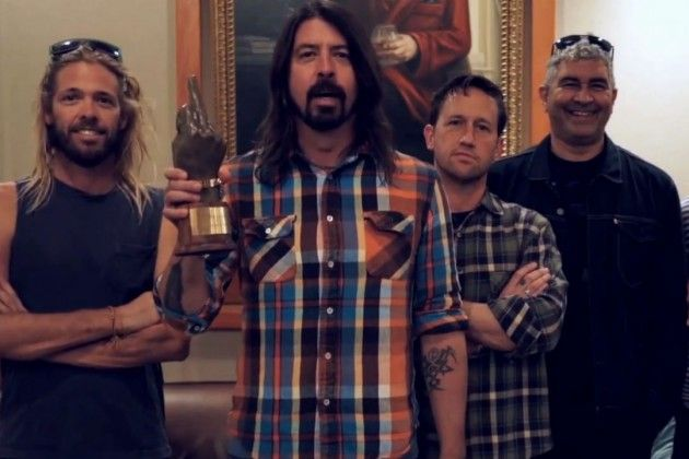 Foo Fighters Win at NME Awards + Reveal Glastonbury Headlining Slot Read More: Foo Fighters Reveal Glastonbury Headlining Slot | http://diffuser.fm/foo-fighters-glastonbury-2015/?utm_source=sailthru&utm_medium=referral&utm_campaign=newsletter_4572276&trackback=tsmclip