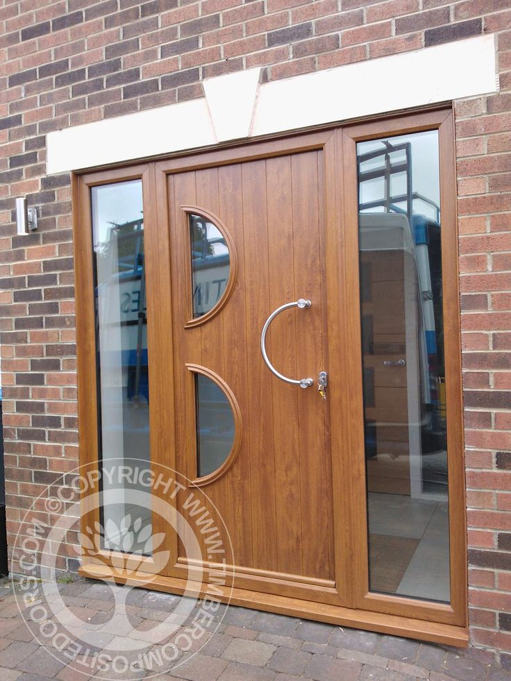 Solidor Siena italia collection composite door in Oak with twin glass side panels  #solidor #timbercompositedoors #compositedoors