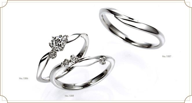 Trefleトレフル 【シロツメクサ】花言葉:約束/私を想って ~白い花冠の天使が祝福のキスをする~ 幸運のシンボルクローバーの白く可憐な花。シロツメクサの愛らしい花冠をイメージ。