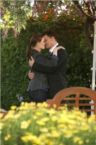 bones season 8 finale secret in the siege fox 11 booth brennan kiss 'Bones' Season 8 finale photos: Will Booth and Brennan get engaged or break up?