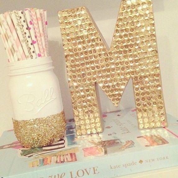 Nuestras letras decoradas son ese detalle que le hace falta a tu decoración. Feliz jueves. #venezolanosenmiami #talentovenezolano #diseñovenezolano #miami #maria #mia #melany #monica #mercedes #martha #monica http://misstagram.com/ipost/1613776289960231757/?code=BZlSPxOBwNN