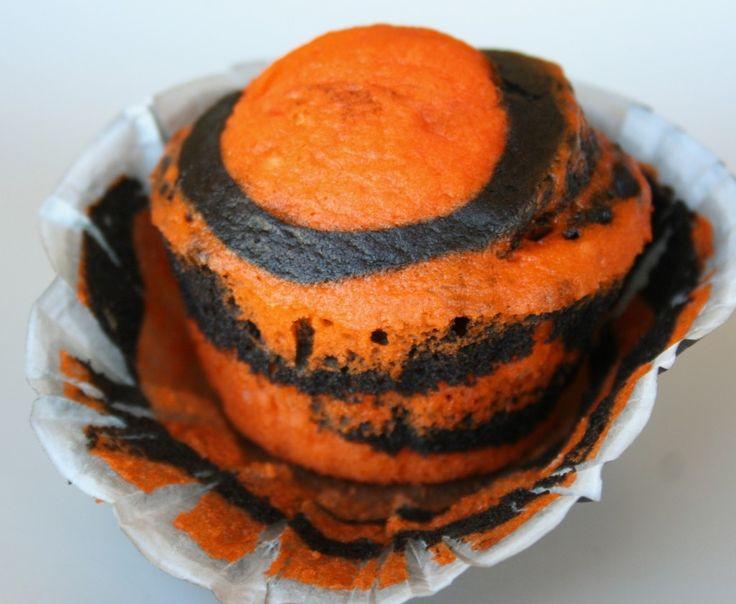 Orange & Black Cupcakes Tutorial