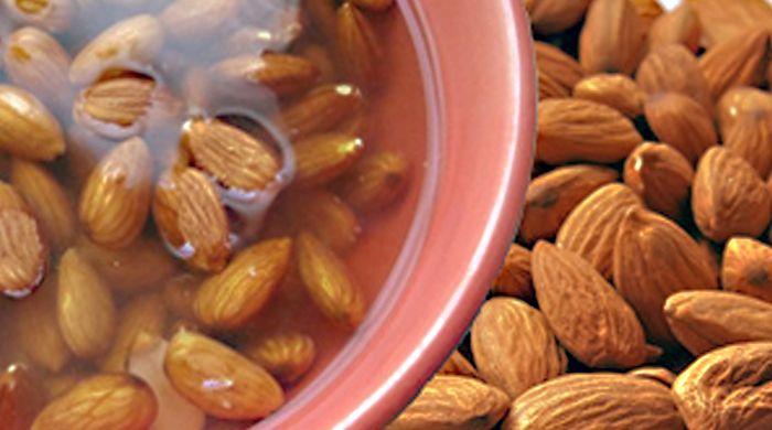 Benefits of soaking almonds. Should we soak or not soak the almonds we eat? It depends. I do both...