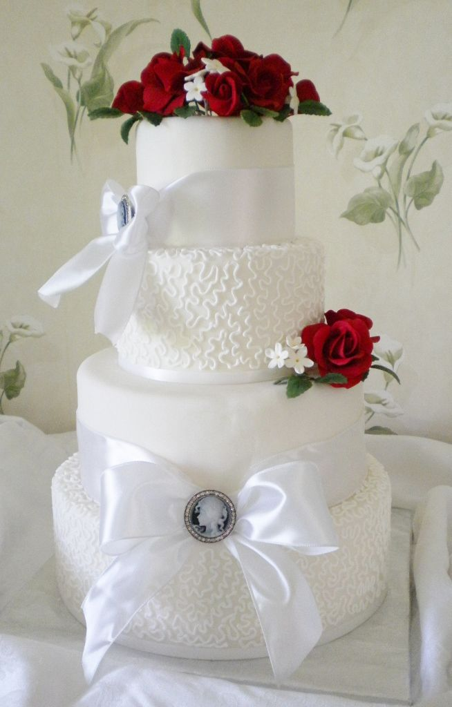 59 best CAKES Red Roses images on Pinterest Wedding cakes